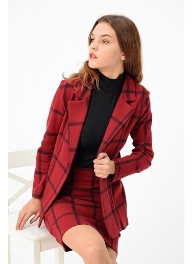 Jument Kadın Desenli Uzun Kol Tek Düğme Kaşe Kışlık Ceket-Siyah Kareli Bordo